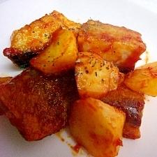 塩サバとジャガイモのケチャップ炒め