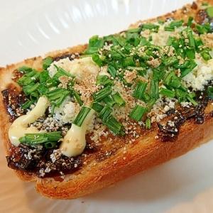 海苔の佃煮とおからと葱とケシの生姜マヨトースト♬