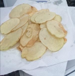 スキレットで作る新ジャガイモのポテトチップス