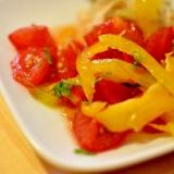 トマトとパプリカのサラダ