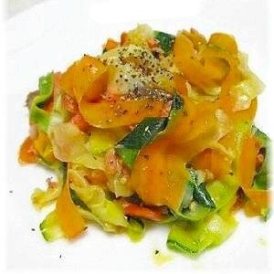ズッキーニとスモークサーモンの夏野菜ソテー