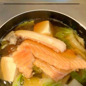鮭と豚肉の寄せ鍋