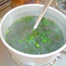 超簡単 新物わかめスープ