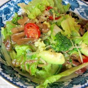 アボカド、舞茸、ブロッコリーのミックスしそサラダ