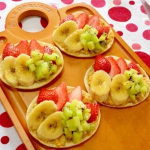 甘くて美味しい〜♪苺とフルーツの☆プリンピザ