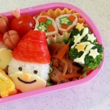 幼稚園弁当 キャラ弁 クリスマス サンタおにぎり