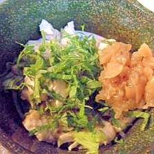 小さなおつまみ・ご飯のお供♪蒸し鶏の梅しそ和え