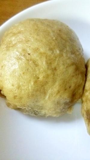 クルミ、アーモンドいり蒸しパン