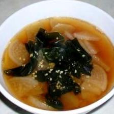 食べる大根とワカメの中華風スープ