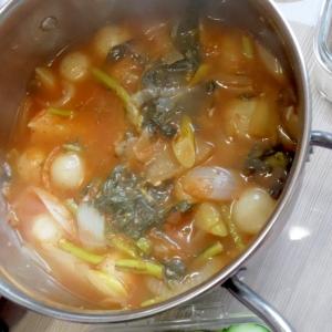 真ん丸餃子入りピリ辛鍋