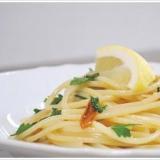 コラトゥーラのアーリオオーリオのスパゲッティ