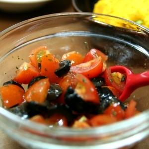 ♪ミニトマトとブラックオリーブのサラダ♪