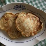 チーズと魚肉ソーセージのパンケーキ