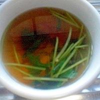 ロースハムと三つ葉のスープ