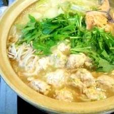 あったまる^^鶏肉団子の味噌鍋♪