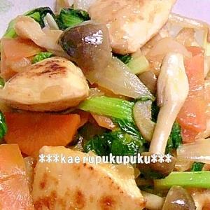 鶏胸肉とターサイのピリ辛炒め