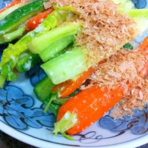 塩麹で野菜の漬け物風?鰹節添え
