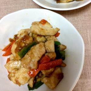 鶏胸肉とピーマン人参の甘辛炒め
