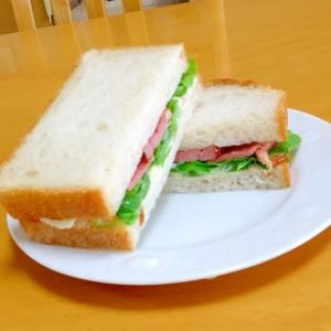 ちょっとリッチに、鴨スモークのサンドイッチ