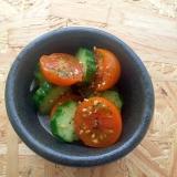 トマトときゅうりのオリーブオイルサラダ♪