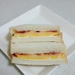 マッシュポテトと玉子のサンドイッチ
