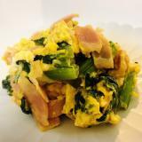 小松菜とベーコン、卵のオイスター炒め
