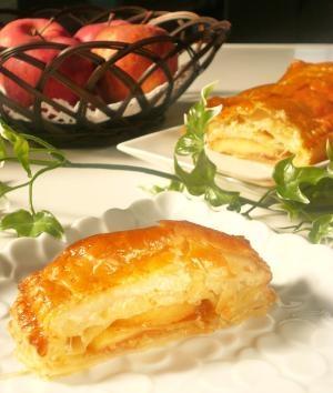 パイ皿・ローラー不要!BIGりんごのアップルパイ。