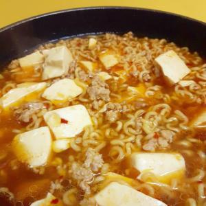 袋麺アレンジ!(^^)ピリ辛麻婆豆腐風ラーメン♪