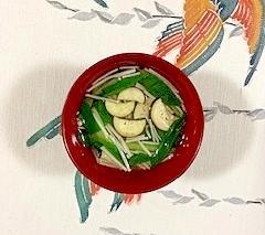 チンゲン菜、茄子、えのきのお味噌汁