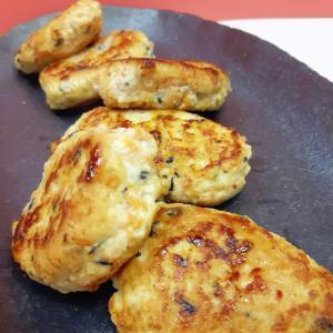 子供が喜ぶ(^^)鶏と豆腐の混ぜご飯の素つくね♪