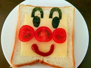 簡単!子供が喜ぶアンパンマンのチーズトースト