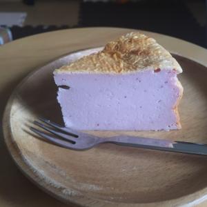 紫芋のベイクドチーズケーキ