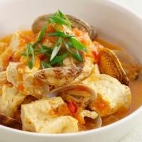 豆腐とあさりのキムチ風味蒸し