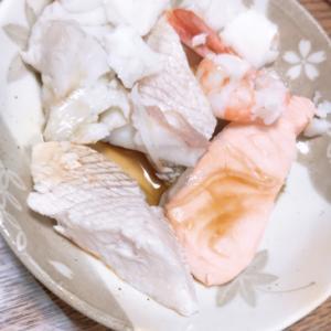 刺身用魚で茹で魚醤油がけ