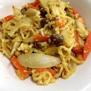 卵と豆腐のカレーヤキソバ