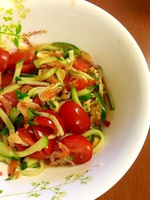 桜海老とトマトのナンプラーサラダ