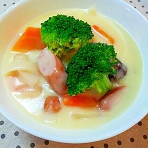 緑黄色野菜とウインナーのクリームシチュー♪