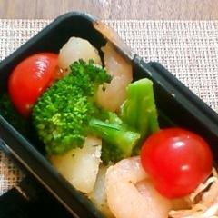お弁当に♪えびじゃがブロッコリーのサラダ