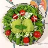 アスパラ、キウイのサラダ