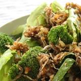 葉野菜のホットじゃこサラダ