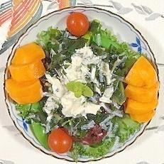 アスパラ、スナップえんどう、海藻サラダ、柿のサラダ