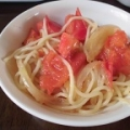 玉ねぎトマトのパスタ