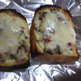 鯖缶とトマトソースのチーズトースト