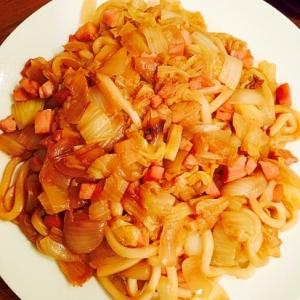 白菜とハムと玉ねぎ入りの焼きうどん