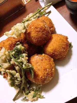 余ったご飯で簡単ライスコロッケ山菜を添えて
