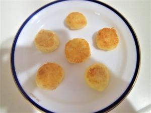 離乳食後期完了期のつかみ食べに◎ジャガイモのお焼き