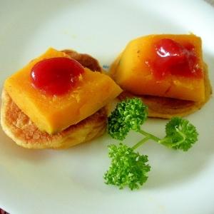 カボチャソテーと大豆粉パンケーキのケチャップのせ♪