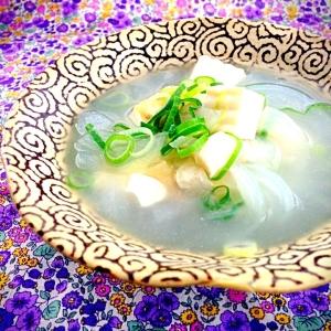 鶏ガラで具沢山スープ
