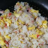 カニカマと卵のソーキそばだしご飯