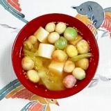 ゴマを入れて、キャベツと豆腐、豆麩のお味噌汁